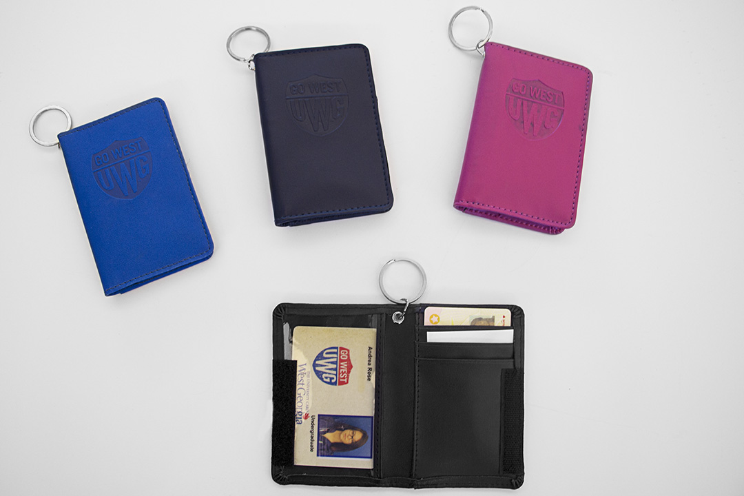 Samsill Deluxe Id Holder-Go West Emb Embossed (SKU 11030416304)